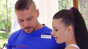 Sport Rooms Thick tits brunette European babe Billie Starlet stretc