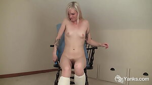 Yanks Amateur Ari Fucks Her Fresh Vibe