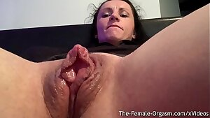 Insane Body Builder Kora Angel Fondles Giant Clit And Wet Coochie To Contracting Orgasm