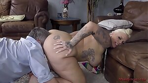 Big Ass Female dominance - Lucky B