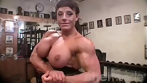 Doll Bodybuilder Yam-sized Tits in the Gym